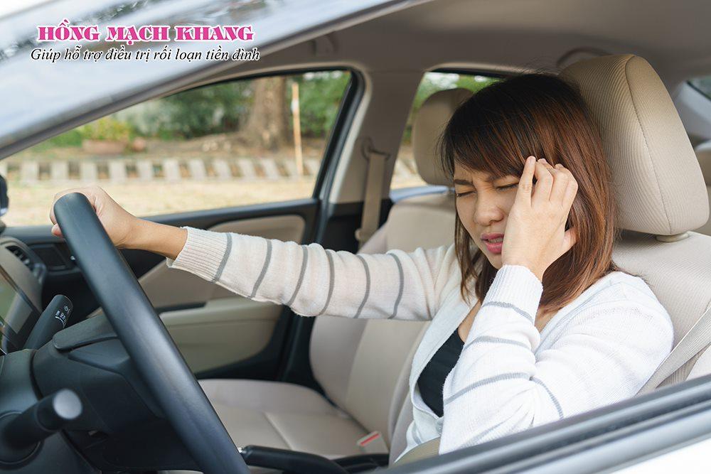 Hạn chế di chuyển trên xe cộ nhiều khi bị rối loạn tiền đình